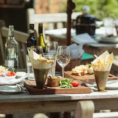 Alfresco Dining-Red Magazine/Online