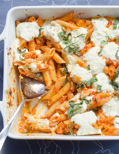 Baked Penne with Roasted Red Peppers and Goat Cheese