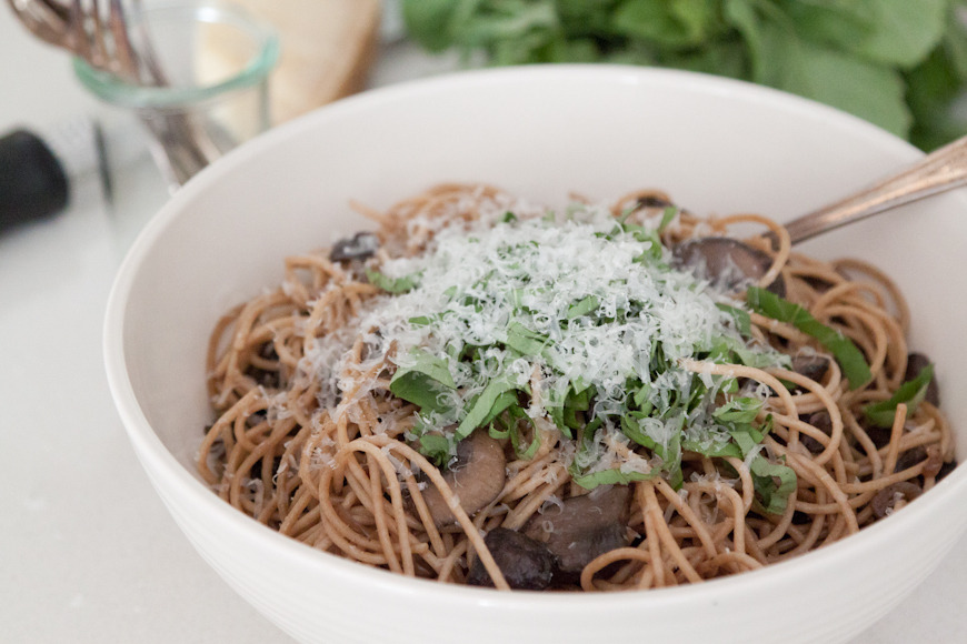Pasta with Mushrooms, Herbs and Cheese