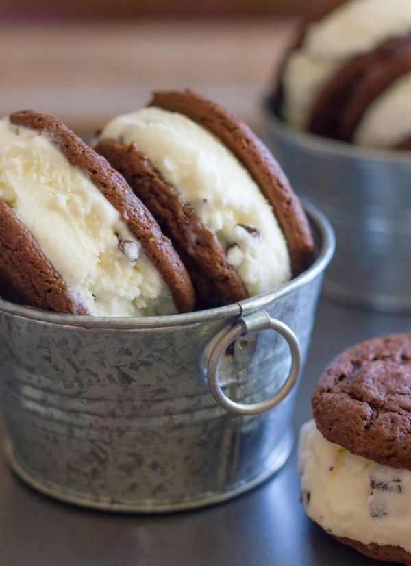 Mint chip oreo ice cream sandwiches